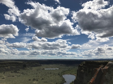 The sky over Dry Falls and Sun Lakes